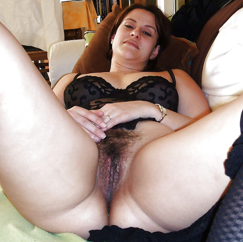 Show Me Your Wife Where real HOTWIVES and MILF show it off