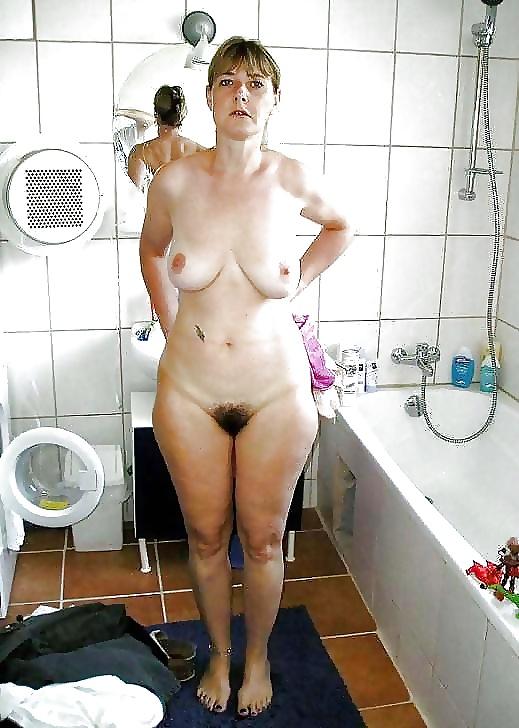 Naked Fifi
